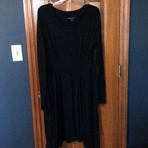 Black maternity dress 🤰